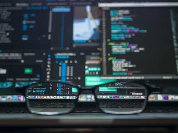 常见的服务器类型有哪些?服务器应用种类有什么?虽然一些专用服务器仅关注一个功能,但某些实现使用一个服务器用于多种用途。常见的服务器类型有Web服务器、邮件服务器、FTP服务器、身份验证服务器、游戏服务器、音频视频服务器等等。
